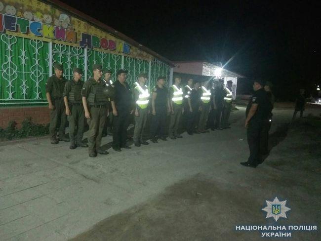 В период летнего отдыха правоохранители и военнослужащие НГУ совместно несут службу в рекреационной зоне