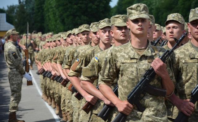 Принят закон об изменениях в правилах военной службы