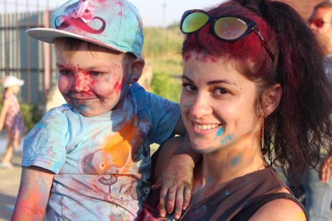 Холи на аллее Дружбы: в Измаиле буйствовал красками фестиваль индийской культуры