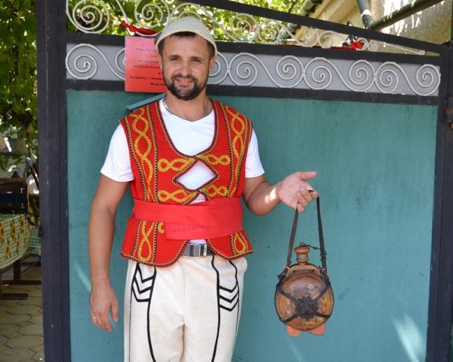 """""""Мы – албанцы"""": представители бессарабского этноса отметили в Измаиле День вина"""