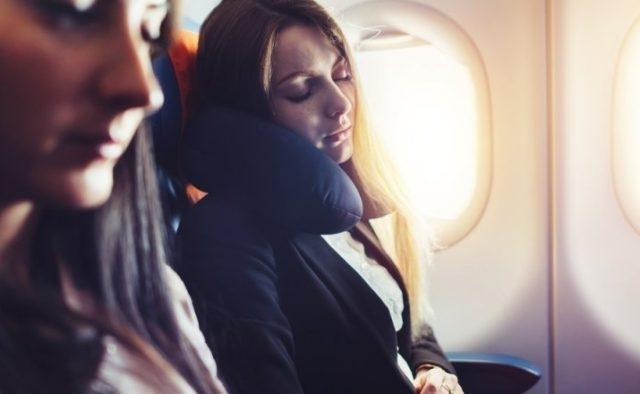 Почему нельзя спать во время взлета самолета?