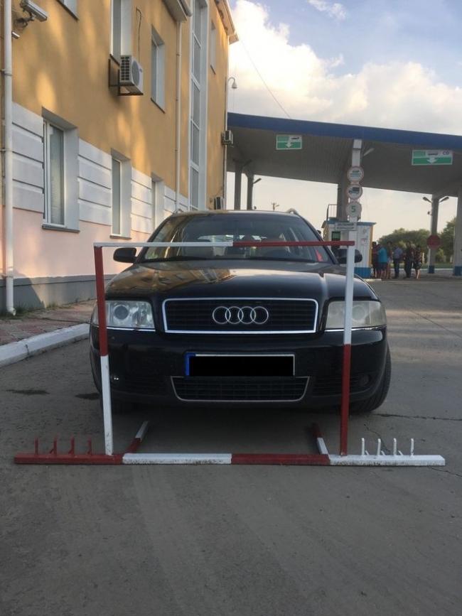 Пограничники Измаильского отряда обнаружили угнанный автомобиль по базе Интерпола