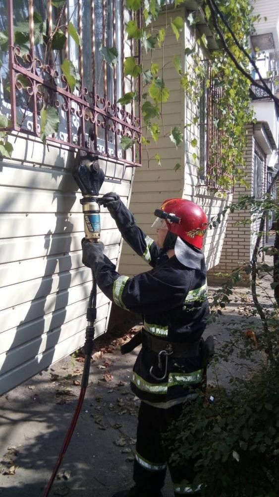 В Измаиле спасатели обнаружили в многоэтажке труп молодого мужчины