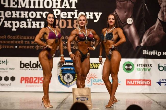 Спортивная красавица Алеся Дух: бодибилдинг и фитнес - это моё!