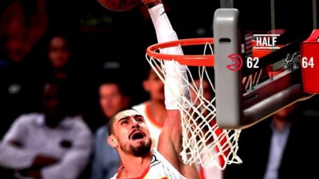 Невероятный бросок украинца Леня вошел в топ-10 моментов игрового дня НБА: видео
