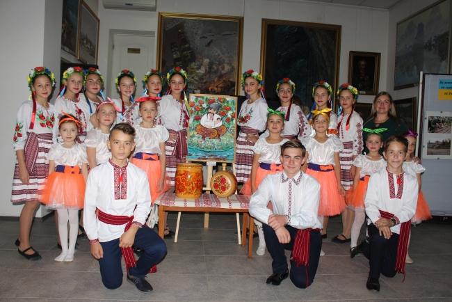 Для казаков и военнослужащих в картинной галерее звучали поздравления