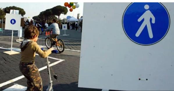 В Италии оштрафовали 5-летнего ребенка за превышение скорости на самокате