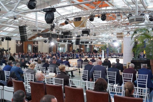 Максим Степанов: в ближайшие три года - еще 34 школы и 27 детских садов