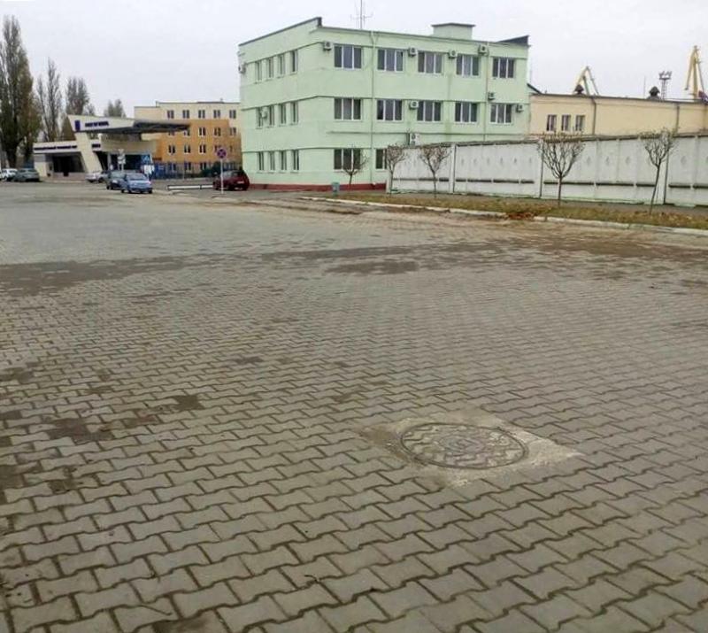 В Измаиле часть портовой дороги покрыли сверхпрочной плиткой