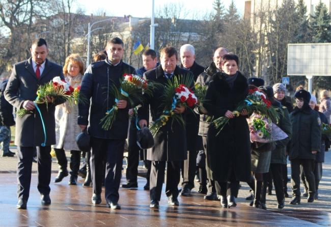 Дань мужественным сынам Отечества и солидарность украинским военным морякам