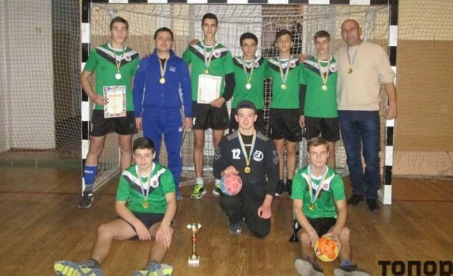 Школьники из села Кубей Болградского района стали чемпионами Одесской области по гандболу