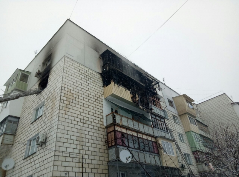 В районе крепости выгорели три квартиры: говорят, причиной стали самодельные петарды