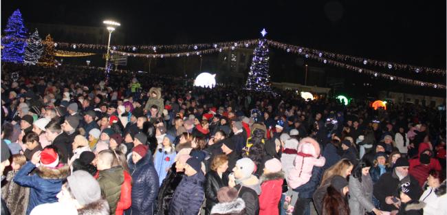 Новогодняя ночь по-измаильски: речь мэра, салют и дискотека