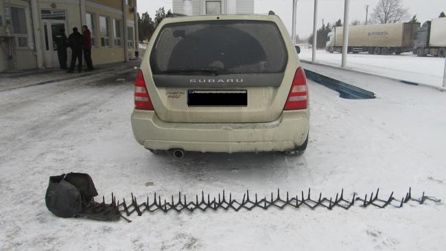 В Рождество пограничники Измаильского отряда обнаружили угнанный автомобиль