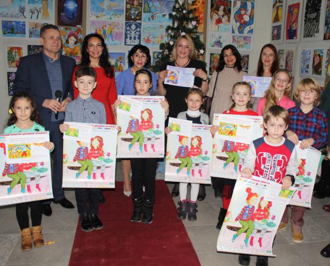 """Картинная галерея собрала детей Измаила на """"Рождественскую сказку"""""""