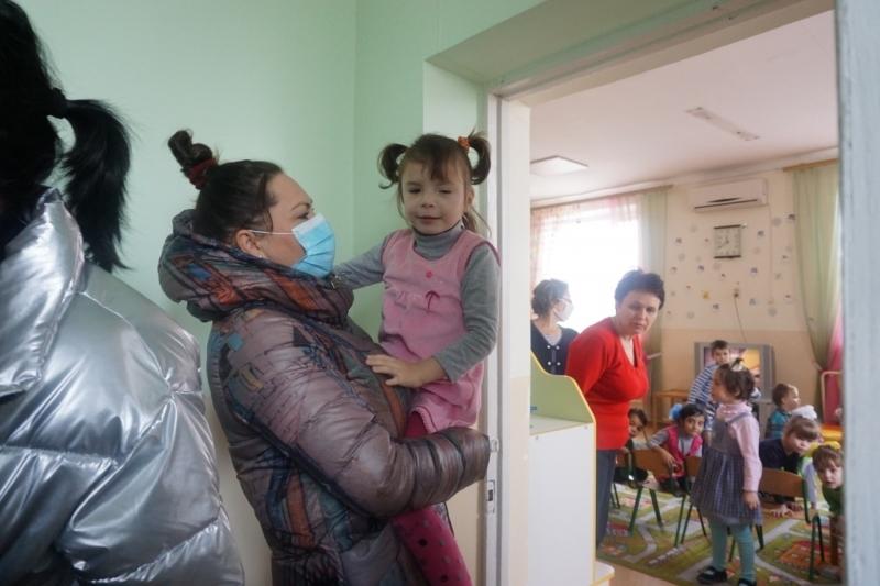 Крещенское утро в Доме ребёнка началось с подарков