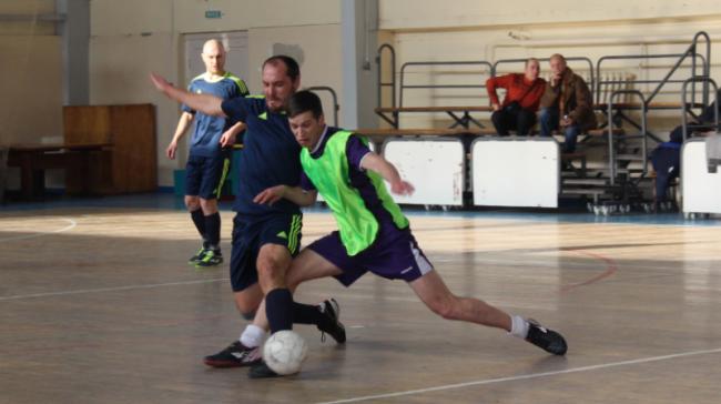 Кубок города по футзалу собрал 20 лучших команд региона