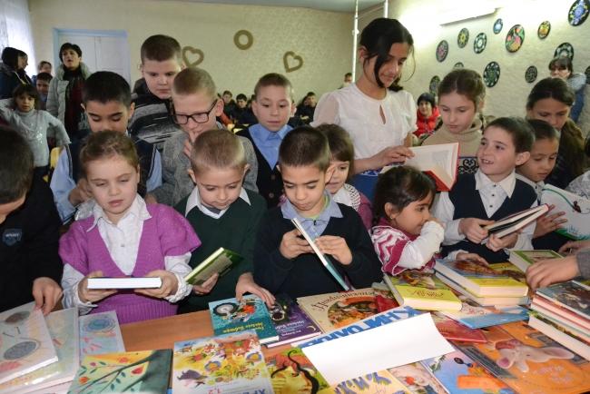 Умные книжки - лучший подарок детям, нуждающимся во внимании и поддержке