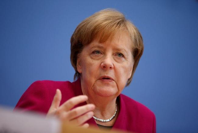 Меркель: Я на стороне Порошенко, но Европа не будет прерывать отношения с РФ