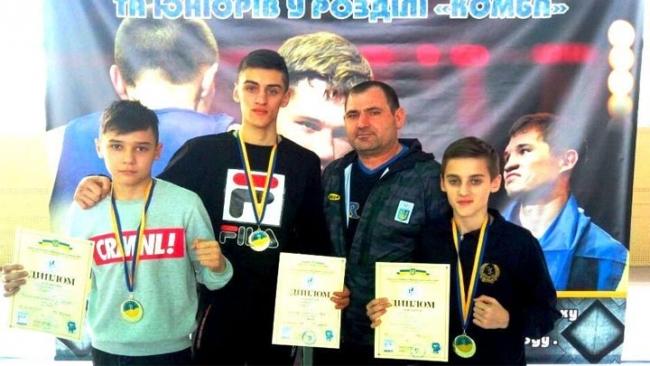 Трое юных боксёров из села Долинское Ренийского района стали чемпионами Украины по французскому боксу сават