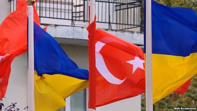 МИД Турции: Анкара не признает «референдум» в Крыму и продолжает поддерживать крымских татар