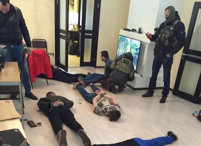 Криптовалюта, рэкет, отрезанные пальцы: Луценко рассказал подробности о раскрытой в Украине наркосети