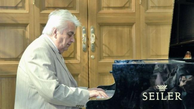 """Не стало Евгения Крылатова, автора песен """"Прекрасное далеко"""" и """"Крылатые качели"""""""
