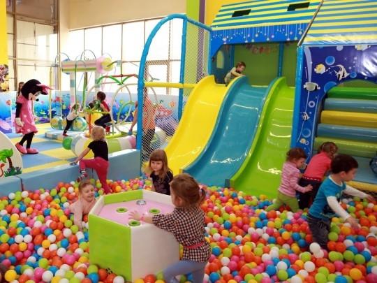 В игровых комнатах торговых центров ребенок может подхватить опасные инфекции