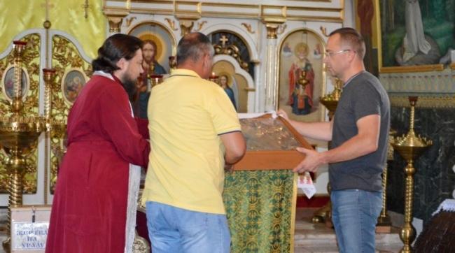 Старинной церкви вернули святыню