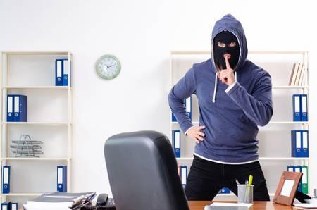 В Измаиле охранники задержали злоумышленника, совершившего кражу в офисе