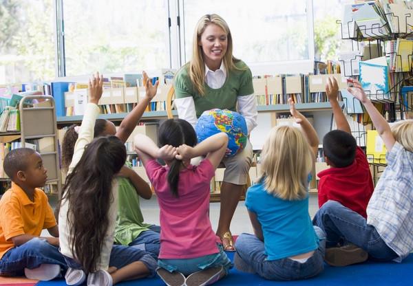 Кабмин увеличил отпуск воспитателям детсадов
