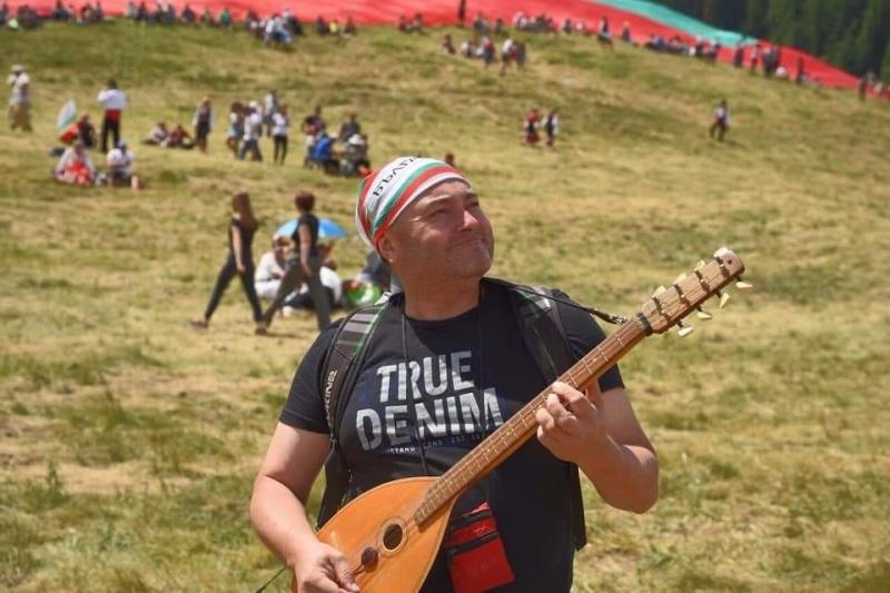 Измаильский рок-гитарист выступил на фольклорном фесте в Болгарии.