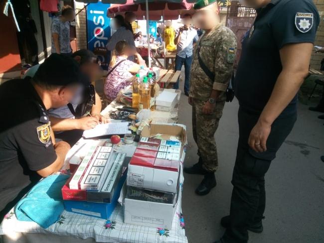Пограничники совместно с полицейскими обнаружили на рынке Болграда незаконный алкоголь