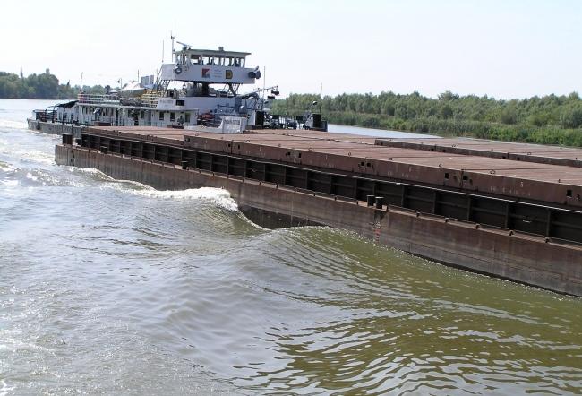 Флот УДП перевез в июле 260 тыс. т грузов