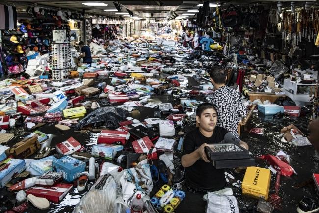 В Турции после дождей затопило знаменитый Гранд-базар Стамбула