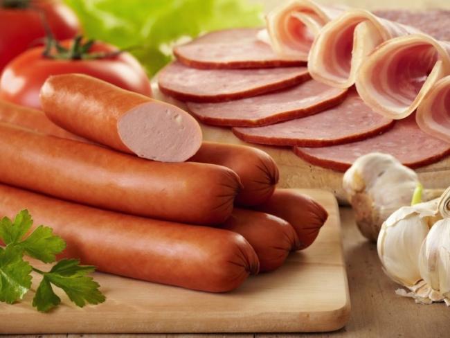 Эксперты доказали вред сосисок и вареной колбасы