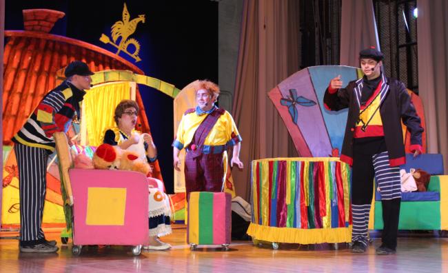 """Гастроли львовского театра начались с премьеры детского спектакля-сказки """"Малыш и Карлсон"""""""