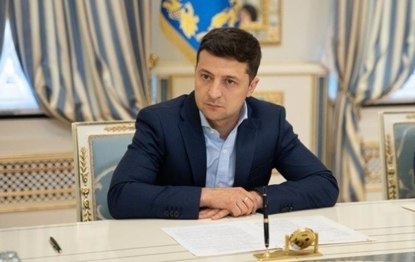 Зеленский рассказал, кто сможет покупать украинскую землю