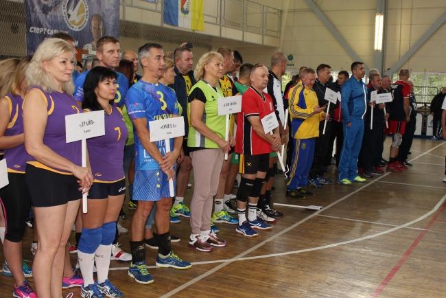 Волейбольный ветеранский турнир в честь Дня города