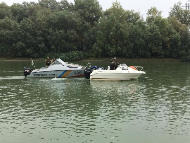 Пограничники на Дунае задержали румынский катер с гражданами стран Евросоюза