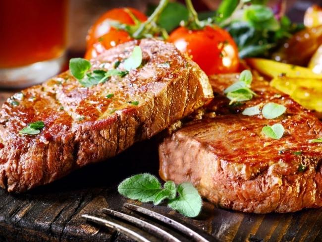 Диетологи назвали самые опасные для здоровья виды мяса