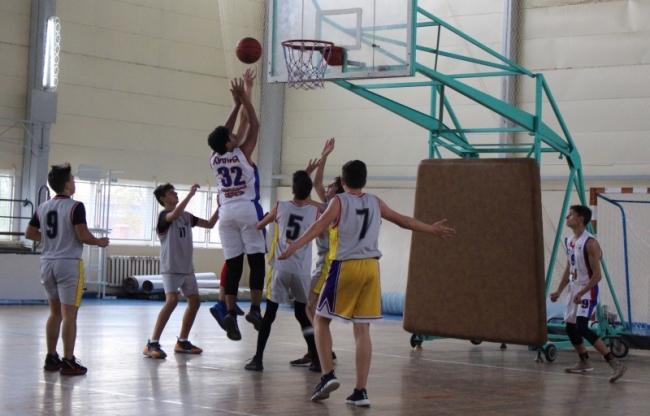 Южная Бессарабская лига баскетбола собирает друзей