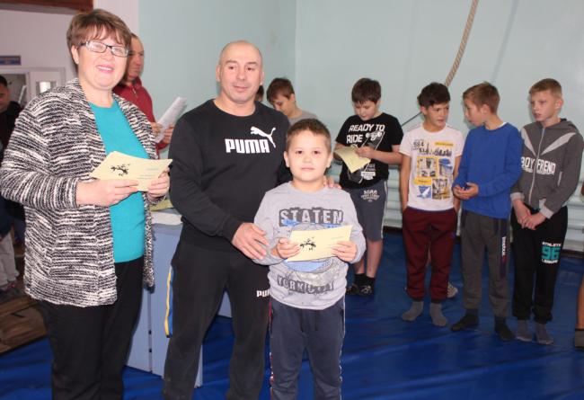 Впервые в Измаиле в спортивной школе детей принимали в юные борцы