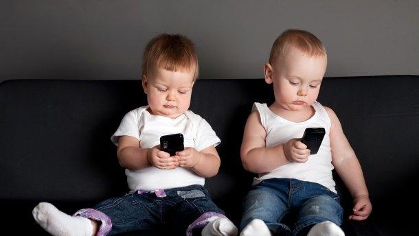 Смартфоны меняют мозг детей: результаты МРТ