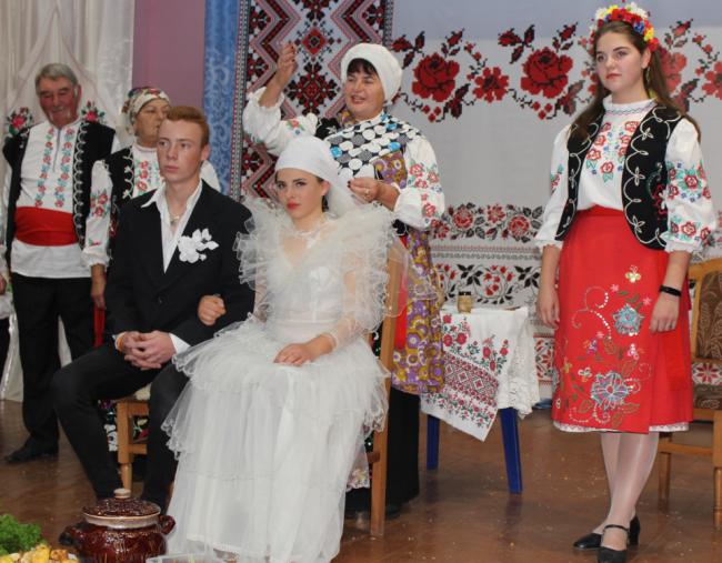 Бессарабские обряды: песни, танцы и наряды, кухня, вина без конца... Праздник покорял сердца!