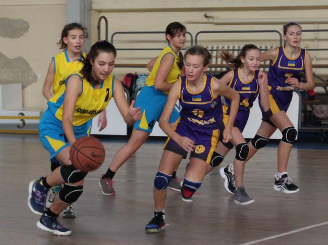 В Измаиле проходил второй тур чемпионата Украины по баскетболу среди юношества