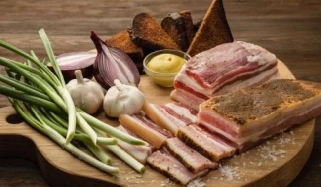 Действительно ли сало – украинский продукт: мифы, которые удивят