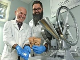Химики изобрели экологичную чистку зубов