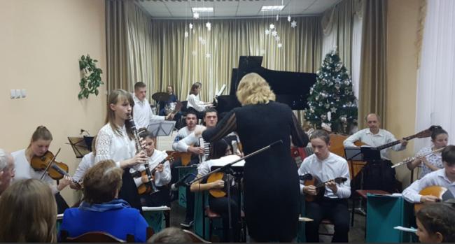 """Концерт """"Музичні вітання"""" подготовили преподаватели"""