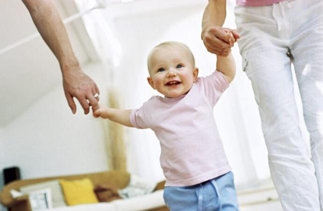 Министр соцполитики рассказала об увеличении выплат за усыновление ребёнка
